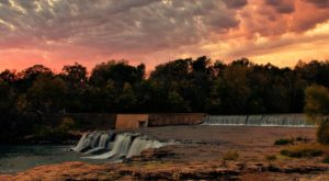 Discover One Of Missouri's Most Majestic Waterfalls – No Hiking Necessary