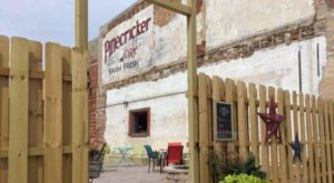 Summer Was Made For Outdoor Dining At This Divine Restaurant In Illinois