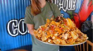 7 Restaurants In Illinois That Serve Gigantic Versions Of Your Favorite Foods