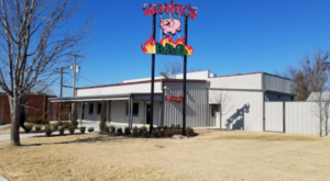 Try This Unique Restaurant In Oklahoma For Some Of The Best BBQ And Chicken You've Ever Tasted