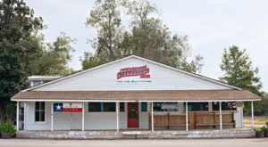 Blink And You'll Miss These 11 Tiny But Mighty Restaurants Hiding In Texas