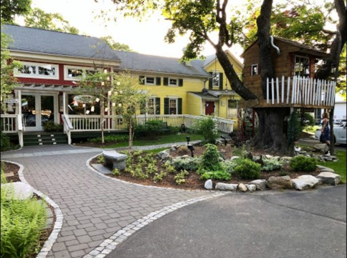 This Just Might Be The Most Magical Restaurant In Rhode Island