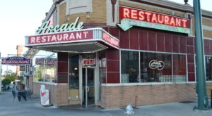 This Famous Tennessee Diner Is The Triple Threat Of Restaurants