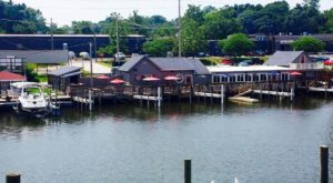 The Riverfront Tavern In Michigan That's Pure Heaven On A Summer Day