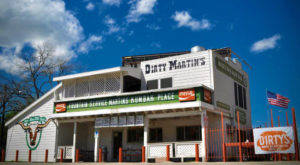 This Restaurant in Austin Has Been Serving Mouthwatering Hamburgers For Over 90 Years
