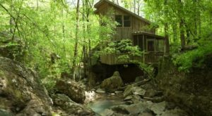 This Cabin Getaway May Just Be The Most Enchanting Spot In All Of Arkansas