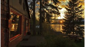 These Historic Lakefront Cabins In Idaho Are A Dream Vacation That You'll Want To Take