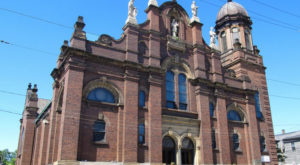 9 Historic Neighborhoods In And Around Cleveland That Will Transport You To The Past