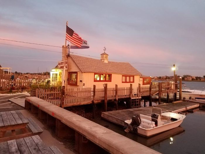 8 Outdoor Restaurants In Connecticut You'll Want To Visit Before Summer's End
