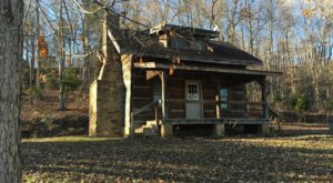 This Old 1800s Log Cabin In Indiana Will Take You Back To Lincoln's Time