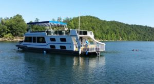 Get Away From It All With A Stay In These Incredible West Virginia Houseboats