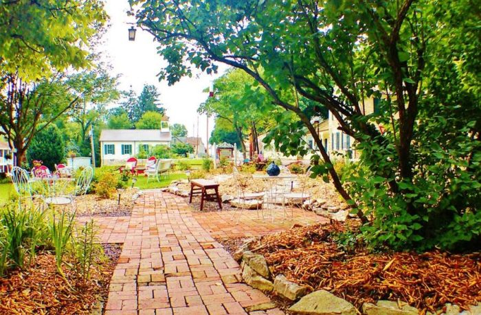 Maple Leaf Cottage Inn In Elsah, Illinois Has Themed Vintage Cottages