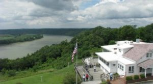 This Bluff-Top Restaurant In Indiana Overlooks The State's Most Scenic River