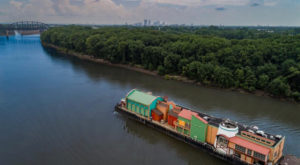 Few People Know The Peculiar Reason Why This Floating City Made Its Way Through Kentucky