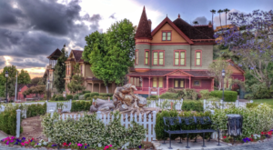You'll Want To Take A Day Trip To This Charming Victorian Park In Southern California That Is Too Good To Be True
