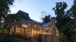 This Jaw Dropping Restaurant Full Of Windows Might Be The Best Kept Secret In Virginia