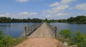 The Gorgeous Wisconsin Hiking Trail That Ends at One of the Best Ice Cream Spots in the State