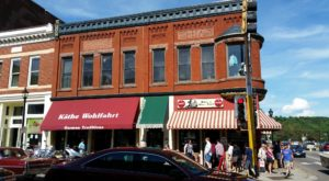 This Old-Fashioned Restaurant In Minnesota Is One Of The Most Charming Places You'll Ever Eat