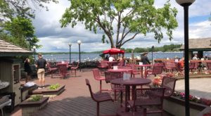 11 Restaurants In Minnesota With the Most Amazing Dockside Dining