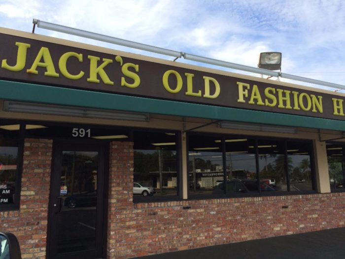 Jack 39 s old fashioned hamburger house in florida is the for Jack s fish house