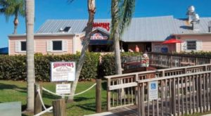The Dockside Restaurant In The U.S. With The Best Seafood Ever