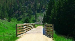 The Beautiful Bridge Hike In South Dakota That Will Completely Mesmerize You