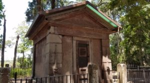 The Story Behind This Haunted Mausoleum In South Carolina Is Beyond Creepy