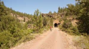 This Amazing Hiking Trail In Northern California Takes You Through An Abandoned Train Tunnel