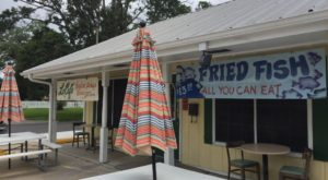 Eat Endless Fried Fish At This Rustic Restaurant In Louisiana