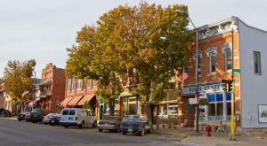 This Charming Little Farm Town In Iowa Is The Perfect Place To Get Away From It All
