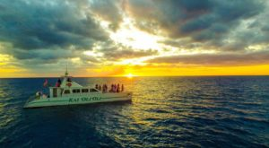 The Best Sunsets In Hawaii Are Witnessed From Aboard This Charming Boat