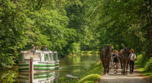 You'll Love This One-Of-A-Kind Canal Boat Ride Just Outside Of Cleveland