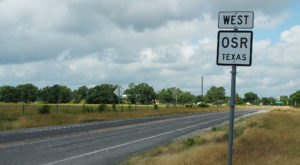 Take A Drive Down One Of Texas' Oldest Roads For A Picture Perfect Day