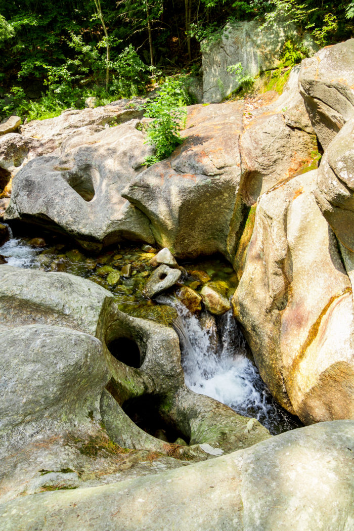 Sculptured Rocks Natural Area In New Hampshire Will Make You Feel Like You 39 Re In Narnia