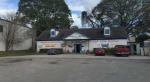 This Tiny Crab Shack Hidden In South Carolina Is A Gem For Fresh Seafood