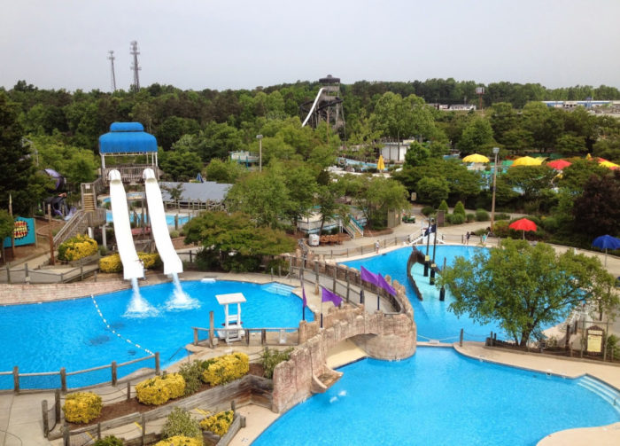 Wet n wild in greensboro north carolina has an epic lazy river for Phoenix swimming pool white city
