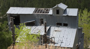 There's A Hike In South Dakota That Leads You Straight To An Abandoned Mine