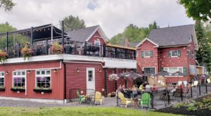 This Maine Restaurant In The Middle Of Nowhere Is Downright Delicious