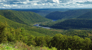 The Breathtaking Overlook In Pennsylvania That Lets You See For Miles And Miles