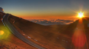 Take An Unforgettable Drive To The Top Of Hawaii's Highest Mountain