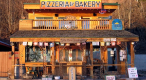 This Quirky Waterfront Pizza Shack Serves Up Some Of The Best Slices In Idaho
