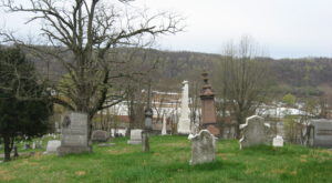 These 9 Haunted Cemeteries In West Virginia Are Not For the Faint of Heart