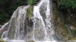 Your Kids Will Love This Easy 2-Mile Waterfall Hike Right Here In Iowa