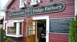 This New Hampshire Fudge Factory and Ice Cream Shop Is What Dreams Are Made Of