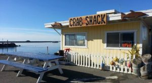 This Tiny Crab Shack Hidden In Northern California Is A Gem For Fresh Seafood