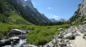 The Underrated River Trail In Wyoming You'll Want To Hike Over And Over Again