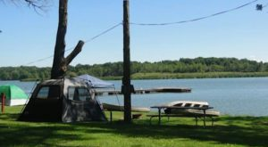 10 Lakeside Camp Resorts In Illinois You're Missing Out On