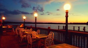 8 Lakeside Restaurants In Louisiana You Simply Must Visit This Time Of Year