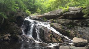 The Ultimate Bucket List For Anyone In New Hampshire Who Loves Waterfall Hikes