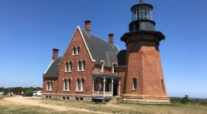 Few People Know The Fascinating Story Behind This Rhode Island Lighthouse